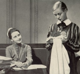 Leontine Sagan - noies en uniforme