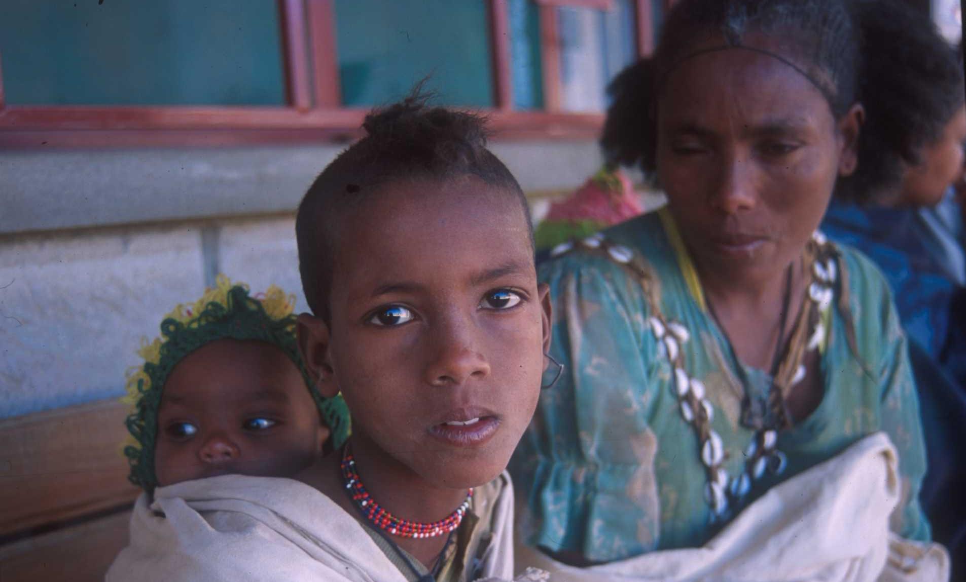 Agnès Ndibi, Maji-da Abdi, Fanta Régina Nacro - Àfrica, Àfriques