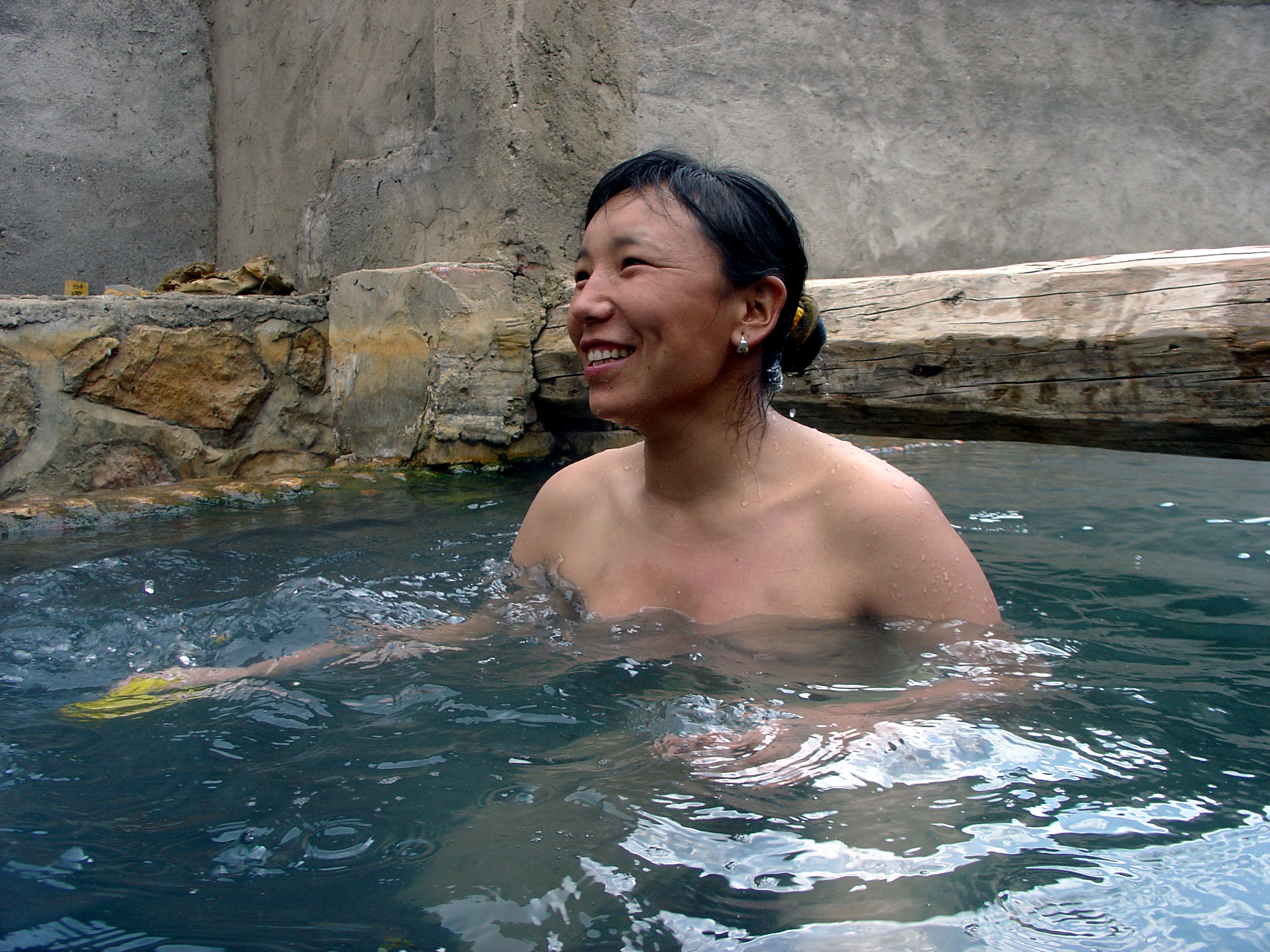 He Xiaodan - La caiguda del país de les dones