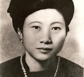 Xuân-Lan Guyot La vida s'esfondra tres vegades, se n'aixeca cinc, i nou vegades sura a la deriva...